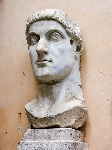 1200px-Rome-Capitole-StatueConstantin