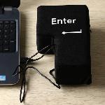 1-Pieza-GRANDE-ENTRAR-ALMOHADA-tama-o-gigante-USB-Grande-Tecla-Enter-Escritorio-de-Oficina-la.jpg_640x640