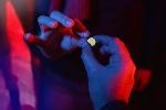 Teens-sharing-drugs-in-a-club-1024x683