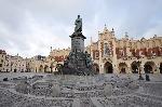 Adam_Mickiewicz_Monument_Krakow_Poland