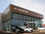 22-1429696060-hyundai-international-showroom-design-02