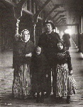 German_immigrants,_Quebec_City,_Canada,_1911