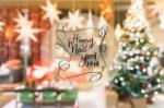 2018-texto-do-ano-novo-feliz-no-fundo-colorido-do-borrao-do-bokeh-da-arvore-de-natal-decorada_1253-1580