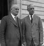220px-Smoot_and_Hawley_standing_together,_April_11,_1929