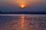 Dawn-view-of-the-Ganges-river-at-Varanasi.