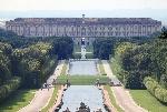 Parco_della_Reggia_di_Caserta,_prospettiva_dalla_fontana_di_Cerere_-_panoramio