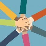amigos-mostrando-unidad-y-trabajo-en-equipo_1325-450