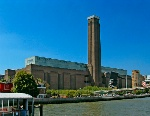 Tate_Modern_viewed_from_Thames_Pleasure_Boat_-_geograph.org.uk_Wikimedia_Commons