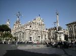 800px-Catania_-_Piazza_Duomo_(2544850701)
