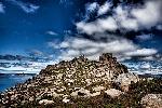 1200px-Castelo_de_San_Xurxo,_O_Pindo,_Galicia