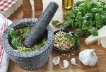 ricetta-tradizionale-ligure-pesto-fatto-in-casa-1