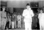 teks-naskah-foto-pidato-presiden-soekarno-saat-proklamasi-kemerdekaan-republik-indonesia-17-agustus-1945
