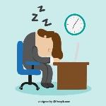 el-hombre-de-negocios-se-queda-dormido-en-su-escritorio_23-2147506304