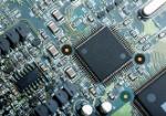 primer-plano-de-la-placa-de-circuito-electronico-con-cpu-microchip-componentes-electronicos-de-fondo_1387-750