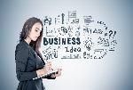 empresaria-con-un-planificador-idea-del-negocio-97820138