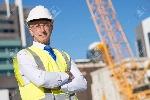 46493607-ingeniero-de-la-construcción-confiados-en-sombrero-duro-con-los-brazos-cruzados-sobre-el-pecho