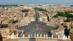 1024px-St_Peter's_Square,_Vatican_City_-_April_2007