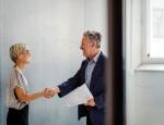 10-formas-de-felicitar-a-un-empleado-por-un-trabajo-bien-hecho_articuloApaisada