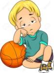 63896071-ilustración-de-un-niño-pequeño-cansado-después-de-jugar-baloncesto