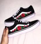 2l0k7e-l-610x610-shoes-vans-floral+vans-roses+vans-rose+vans-roses+shoes-shoes+roses-vans+roses