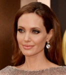 2840-10-Pictures-Of-Angelina-Jolie-Without-Makeup