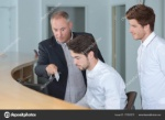 depositphotos_170265278-stock-photo-manager-with-apprentices-in-hotel