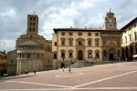 Arezzo_-_Piazza_Grande