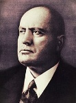 200px-Benito_Mussolini_(primo_piano)