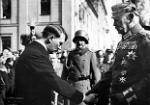 310px-Bundesarchiv_Bild_183-S38324,_Tag_von_Potsdam,_Adolf_Hitler,_Paul_v._Hindenburg