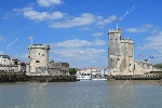 depositphotos_126675618-stock-photo-medieval-towers-of-la-rochelle