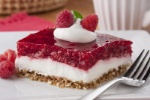 EDR-Sweet-n-Salty-Raspberry-Bars_ArticleImage-CategoryPage_ID-1428835