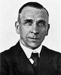 220px-Alfred_Wegener_ca.1924-30