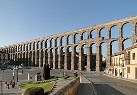 270px-Aqueduct_of_Segovia_02