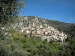 villaggi-abbarbicati-roccia-1173_w600