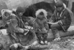 inuit_family