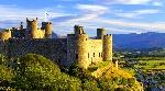 Замки-Уэльса-Канавон-Бомарис-Харлех