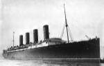 RMS_Lusitania_coming_into_port,_possibly_in_New_York,_1907-13-crop